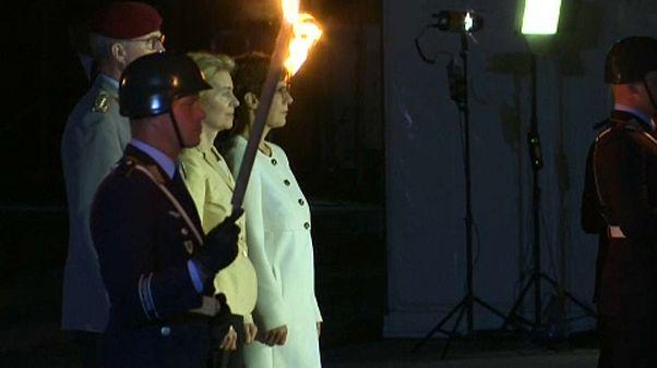 """Von der Leyen: addio alle armi sulle note di """"Wind of change"""""""