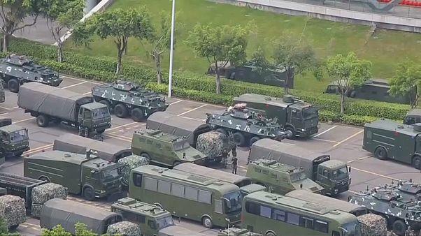 شاهد: القوات الصينية تتأهب لإقتحام هونغ كونغ