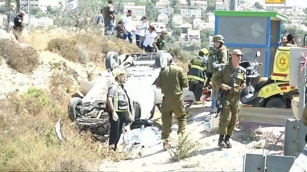 الشرطة الإسرائيلية تقتل فلسطينيا تقول إنه دهس مارة في الضفة الغربية