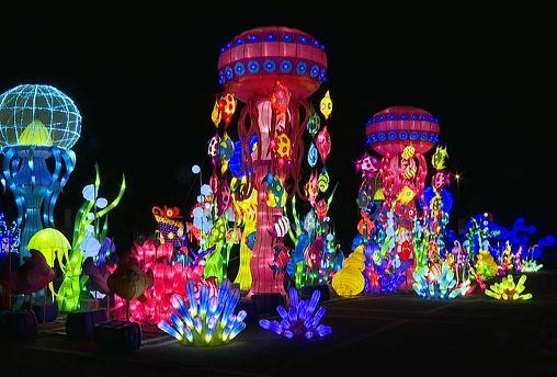Η Μπολόνια «σήκωσε τα κόκκινα φανάρια» σε ένα φαντασμαγορικό φεστιβάλ
