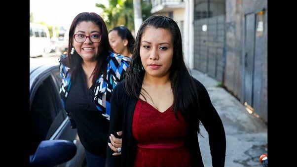 Aumentan a 40 años la condena de la  salvadoreña acusada de homicidio por perder a su bebé