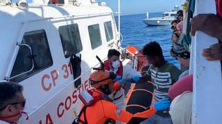 Los 27 menores no acompañados del Open Arms desembarcan en suelo italiano