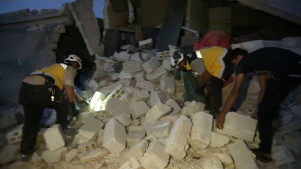 Szíria: Légitámadás civil áldozatokkal