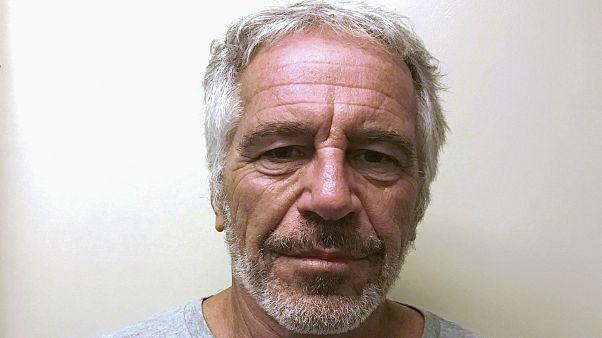 نتایج بررسیهای پزشکی قانونی نیویورک: جفری اپستاین خودکشی کرده است