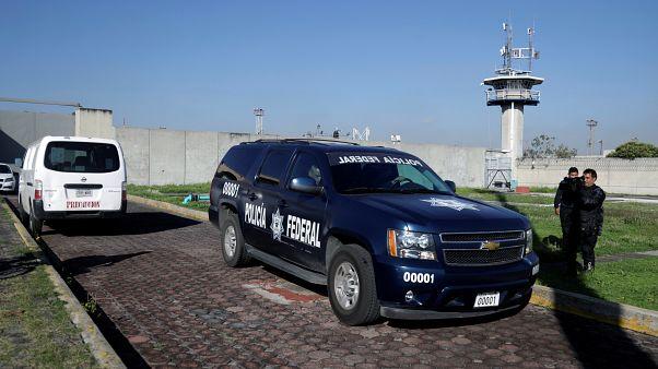 """المكسيك ترحل أمريكيا """"متطرفا"""" للاشتباه بدعوته للجهاد ودعمه لجماعات إرهابية"""