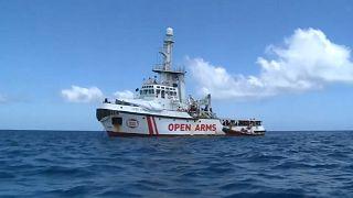 Open Arms: 27 Minderjährige dürfen an Land