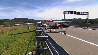 فرود اضطراری هواپیما بر روی یکی از بزرگراههای اصلی کرواسی