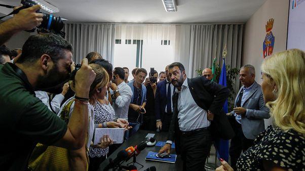 سالفيني خلال مؤتمر صحفي