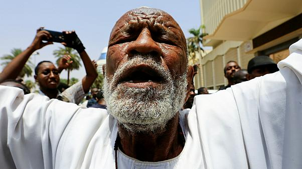 السودان من حركة الاحتجاج الى توقيع الاتفاق حول الانتقال السياسي