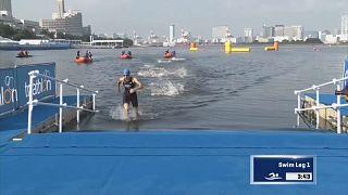 França vence prova mista de Triatlo em Tóquio