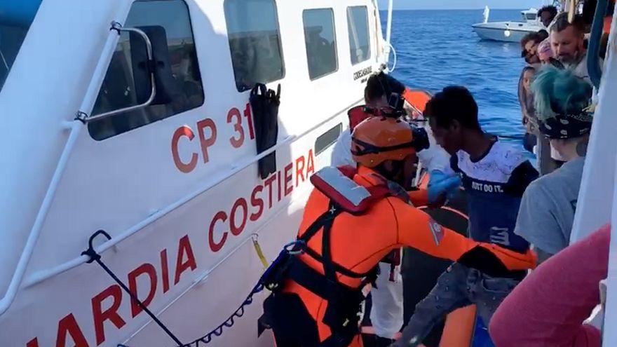 Espanha desmente acordo com Itália para desembarque do Open Arms em Maiorca