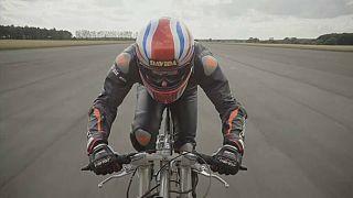 Nuovo record del mondo di velocità in bici: 280.57 km/h