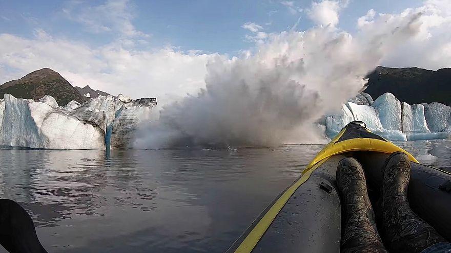 سقوط بخش از یخچالهای طبیعی آلاسکا از دریچه دوربین ماجراجویان آمریکایی