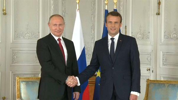 Блиц-визит Путина во Францию