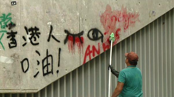 بعد احتجاجات الأحد المليونية.. حملة تنظيف واسعة في هونغ كونغ