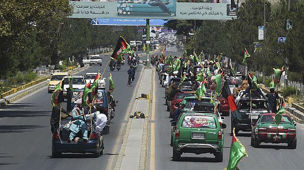 Afganistan'ın başkenti Kabil'de Afganistan'ın 100. bağımsızlık yoldönümü kutlamaları için konvoylar oluşturuluyor