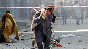 Afganistan'ın Celalabad kentinde bağımsızlık kutlamalarını hedef alan saldırı düzenlendi. Onlarca yaralı