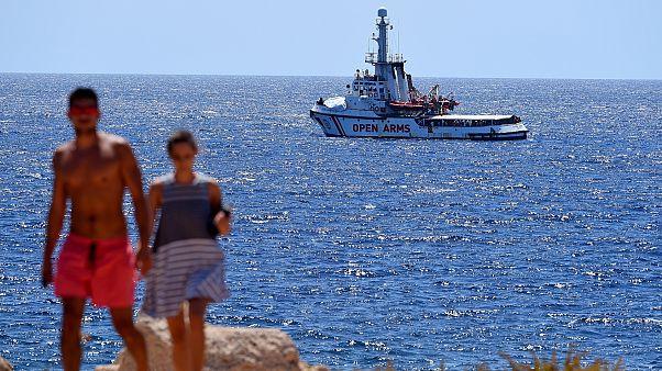 Akdeniz'de 107 mülteciyle mahsur kalan Open Arms: İtalya bizi İspanya'ya götürsün