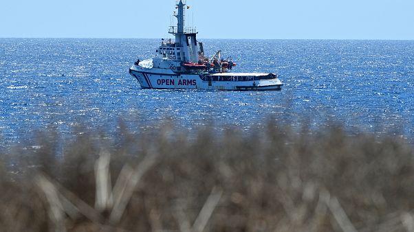Open Arms: ordinato lo sbarco dei migranti