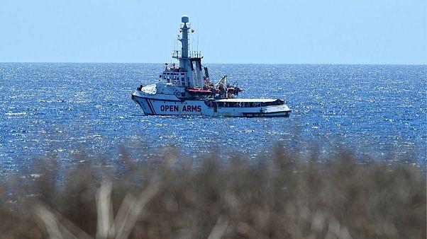 کشتی نجات «آغوش باز» در نزدیکی سواحل لامپدوزای ایتالیا
