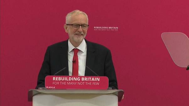 Labour-Chef Corbyn warnt vor No-Deal-Brexit