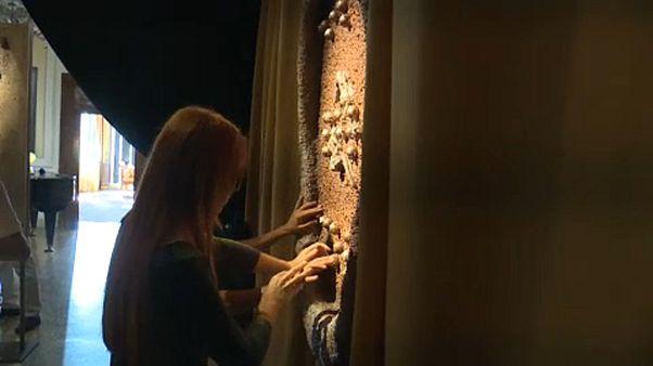 ونیز؛ نمایشگاه «عشق نابیناست، نابینا باش برای عشق»