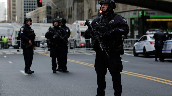 الشرطة الامريكية تلاحق متطفلة على الأعراس بغرض السرقة