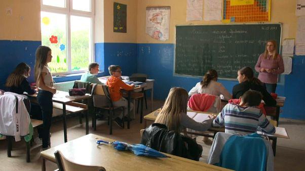 Kosovo: classi separate per serbi e albanesi