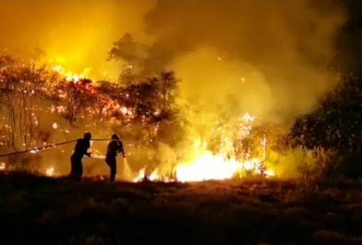 Incêndio permanece fora de controlo na ilha de Gran Canaria