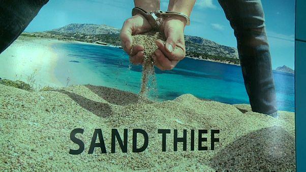 Hasta 6 años de cárcel por llevarse arena de la playa