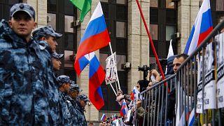 Rus Parlamentosu ülkeyi sarsan protesto hareketine 'dış güç müdahalesini' araştıracak