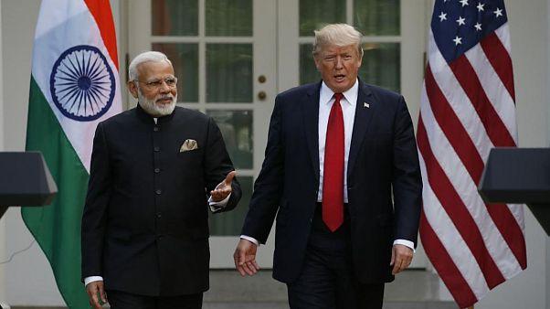 بحران کشمیر؛ گفتگوی تلفنی دونالد ترامپ با رهبران هند و پاکستان