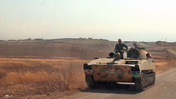 دیدهبان حقوق بشر سوریه: شورشیان از شهر خان شیخون خارج شدند