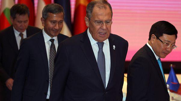Lavrov: Cihatçıların saldırılarına karşılık verileceği konusunda Türkiye'yi uyardık