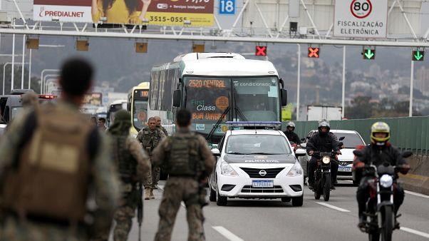 Brasile: tiene 37 persone in ostaggio per 3 ore, ucciso da un cecchino