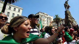 متظاهرون جزائريون في العاصمة
