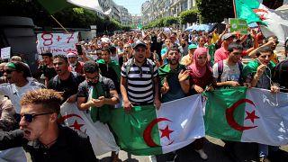 الطلبة الجزائريون يتظاهرون للأسبوع الـ 26 على التوالي