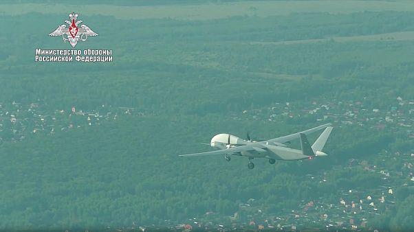"""صورة للطائرة المسيرة """"أتليوس - يو"""" خلال عملية التحليق الأولى (وزارة الدفاع الروسية)"""
