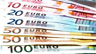 Az európaiak több mint háromnegyede támogatja az eurót