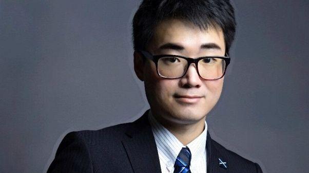 سايمون تشينغ الموظف في القنصلية البريطانية في هونغ كونغ