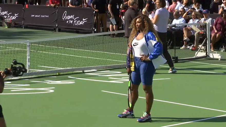 "Tennis ""champagne"" offert par Williams, Osaka, Sharapova à New York"