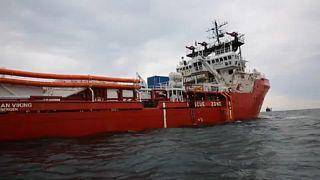 Мигрантов с Ocean Viking приютит Франция