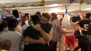 Migrantes do Open Arms chegaram a Lampedusa