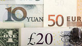 کاهش قیمت دلار و سکه؛ یورو ۲۰۰ تومان گرانتر از نرخ جهانی به فروش رفت