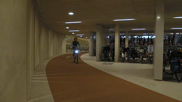 A világ legnagyobb kerékpárparkolója