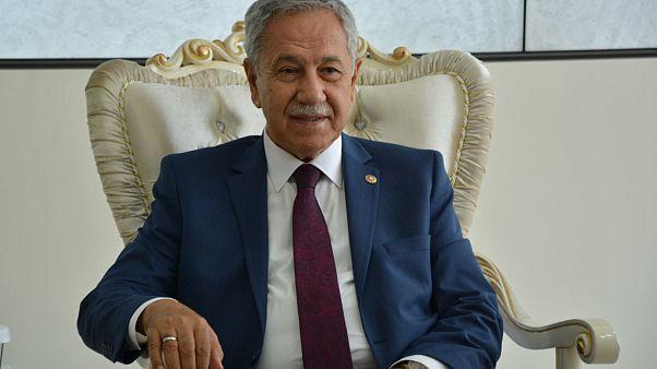 Bülent Arınç: AKP'den ayrılıp yeni parti kuracaklar 'büyük hata' yapar