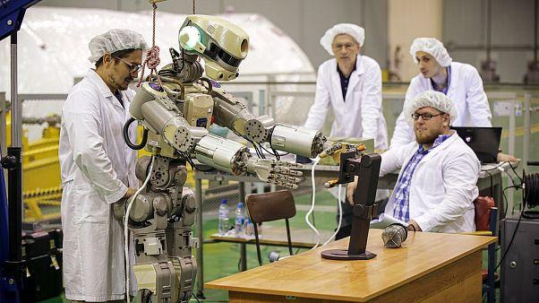 Emberszabású robotot küld az űrbe Oroszország
