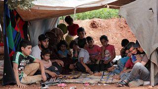 Suriye ordusu, İdlib'i terk etmek isteyen siviller için güvenlik koridoru açtı