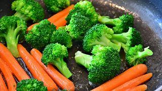 Mit 19 Monaten noch keine Zähne: Eltern wegen streng veganer Ernährung ihrer Tochter verurteilt