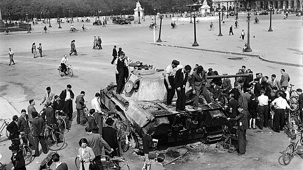 La Libération de Paris vue d'avion, de la Tour Eiffel et de la 2ème DB